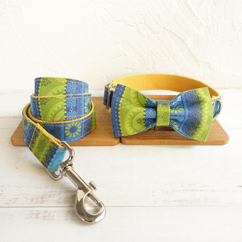 Suave collar de perro correa de la gente amarillo Grabado libre collar ajustable para mascotas decoración con corbata de moño perro correas 5 tamaños
