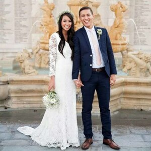 Simple 2021 Lace Boho Wedding Dresses Lace Bow V-neck Long Sleeve Bohemian Sweep Train Bridal Gowns  vestido de novia princesa