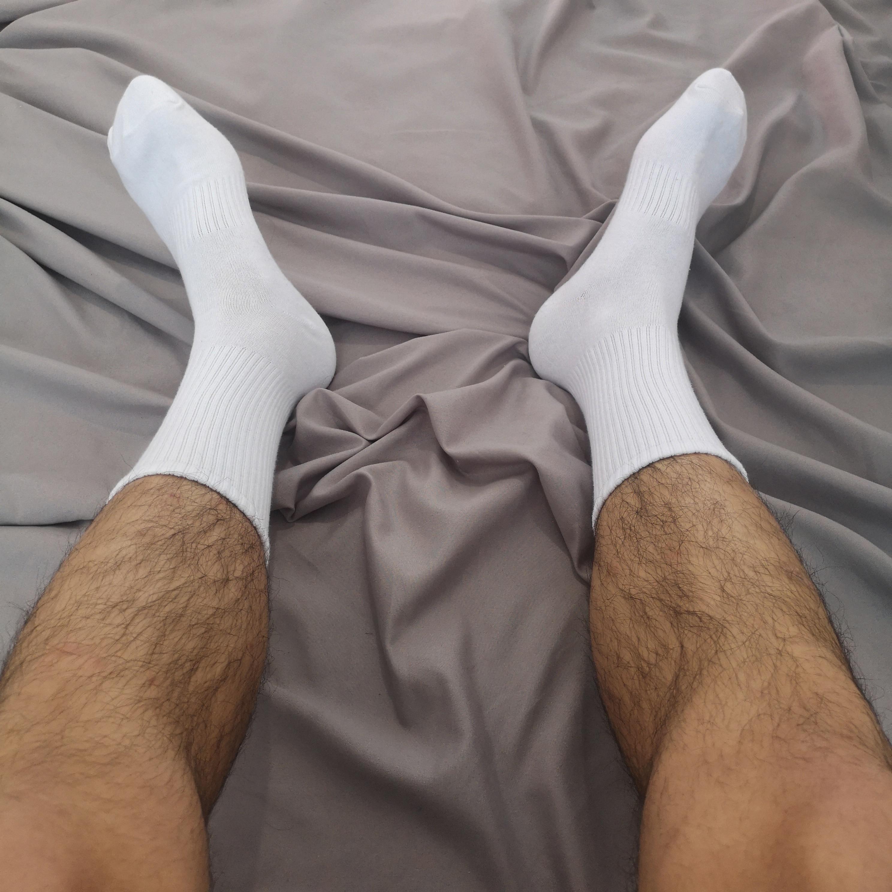 Сексуальные мужские хлопковые высокие белые или черные носки