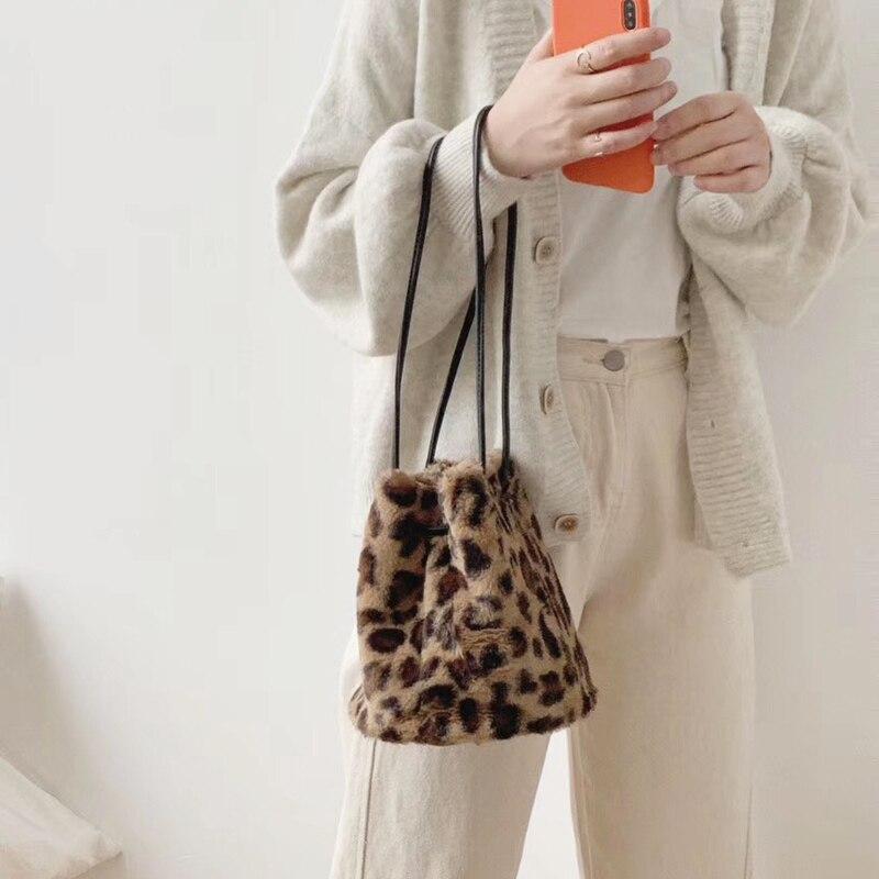 2019 Small Women Leopard Bags Faux Fur Female Handbags Shoulder Bag Ladies Drawstring Round Bucket Bag Young Purse Whole Sale