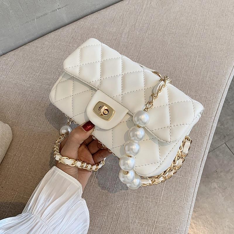 Bolso tipo bandolera de piel sintética con cadena de perlas acolchadas de Color liso para mujer, Bolso pequeño de hombro a la moda 2020, bolsos y monederos para mujer