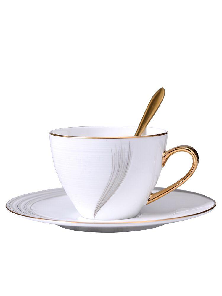 بسيطة الحديثة فنجان القهوة مجموعات العظام الصين صغيرة لطيف فنجان شاي الزفاف مجموعة الصحن الخزف خمر المعادن Xicara درينكوير EB50BD