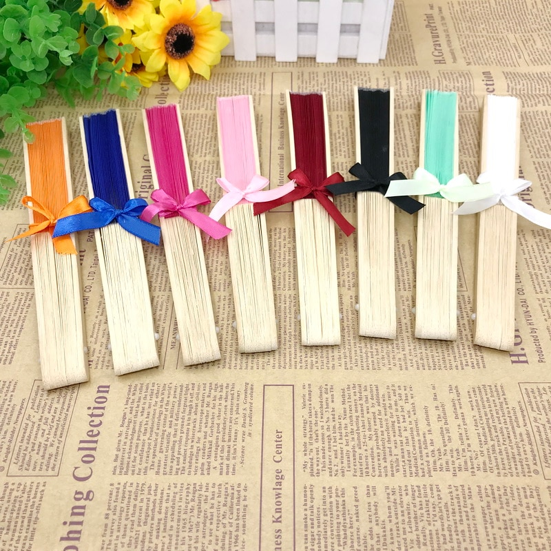 100PCS Personalized Wedding Favors Luxurious Silk Cloth Fan Tied With Ribbon Custom Printing Name and Date Drop Shipping Welcome