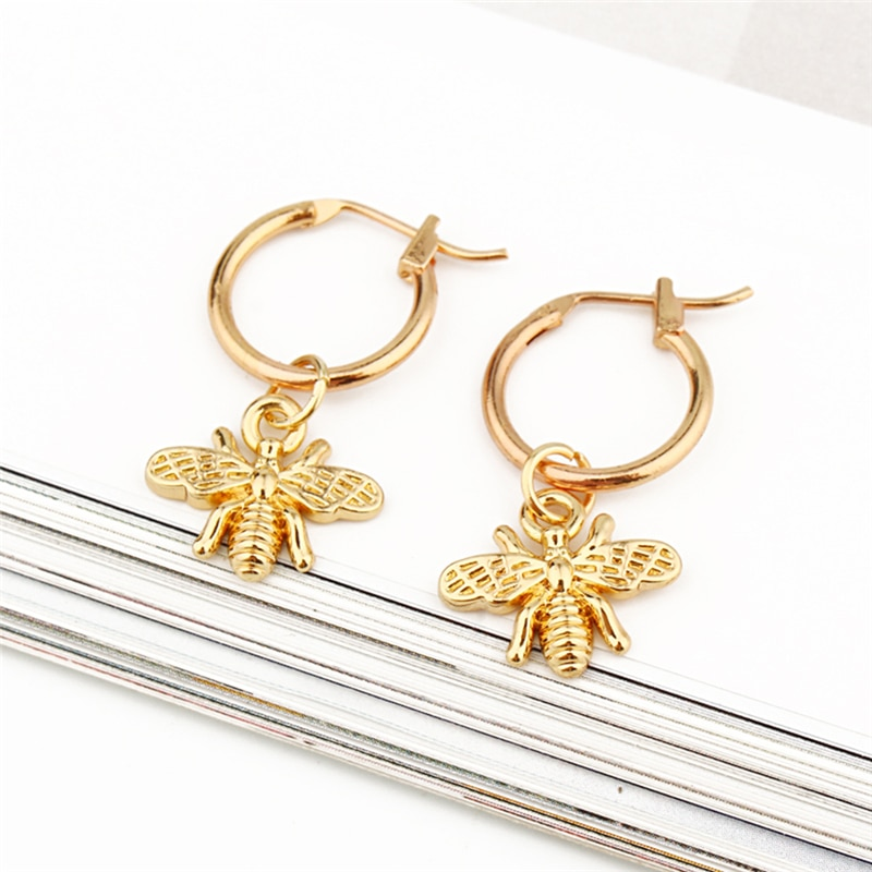 1 Pair Chic Gold Small Bee Pendant Earrings For Women Small Hoop Earrings Circle Round Earrings Insect Women Earring Jewelry