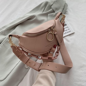 New Messenger Bag Women Hobos Letter Chains Single Shoulder Chest PU Leather Handbag Wide Straps Day Clutches Bolsas Femenina