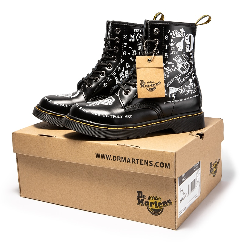 2021 Women Boots Martens Graffiti Womens Ankle Boots Leather Cowboy Combat Boots Big Size 35-46 Leat