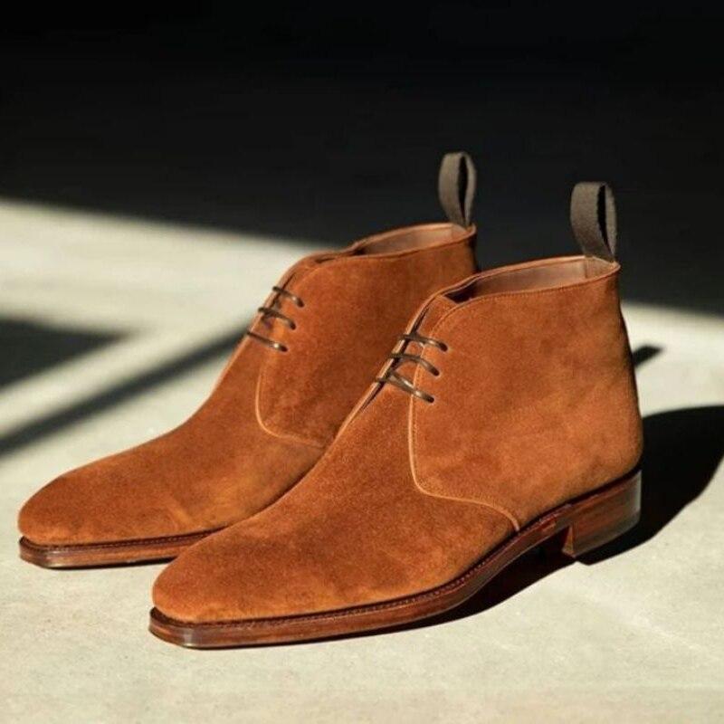 حذاء برقبة عالية للرجال لون بني قصير برباط علوي حذاء كاوبوي بكعب منخفض حذاء صحراوي من جلد الغزال الصناعي أحذية رجالية بريطانية 5KE517