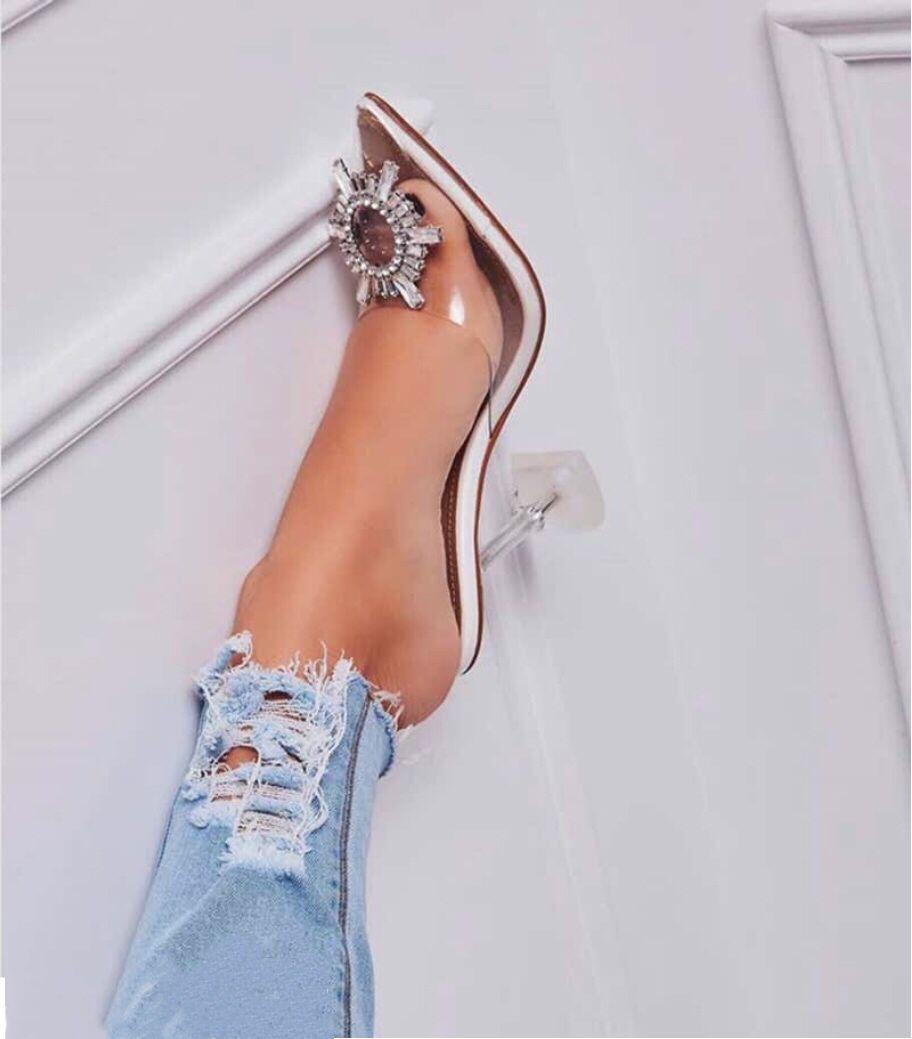 Tamaño grande 42 Beige PVC transparente mujeres sandalias zapatillas de cristal puntiagudos punta de metal tacones altos sandalias zapatillas 9,5 CM bomba