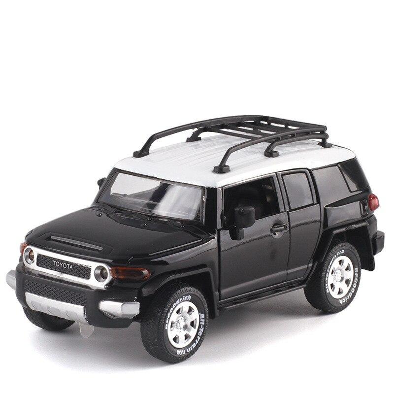Hohe simulation 132 Toyota FJ CRUISER SUV modell, exquisite kinder sound und licht pull back spielzeug off-road modell, freies verschiffen