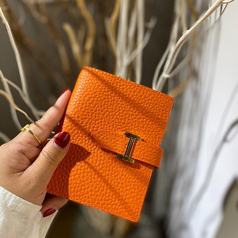 جلد طبيعي المرأة الفاخرة تصميم محفظة موضة قصيرة المال حقيبة حامل بطاقة السيدات الإناث المحفظة 2021 مع حزمة صندوق