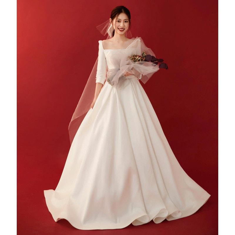 Review 2021 luxury design high-end simple and generous banquet white long dress temperament sexy slim square collar tail wedding dress