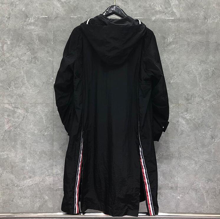 ماركة 2021 موضة سترة واقية الربيع الخريف الرجال معطف طويل مقنعين الرجال عادية فضفاض سترة الملابس السوداء
