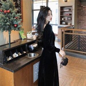 Vintage puff sleeve square neck velvet dress for women