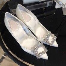 HKXN 2021ใหม่เงินสีดำผู้หญิงรองเท้าแต่งงานเจ้าสาว Faux ผ้าไหมซาติน Rhinestone คริสตัลตื้นปั๊ม Stiletto ส้นสูง