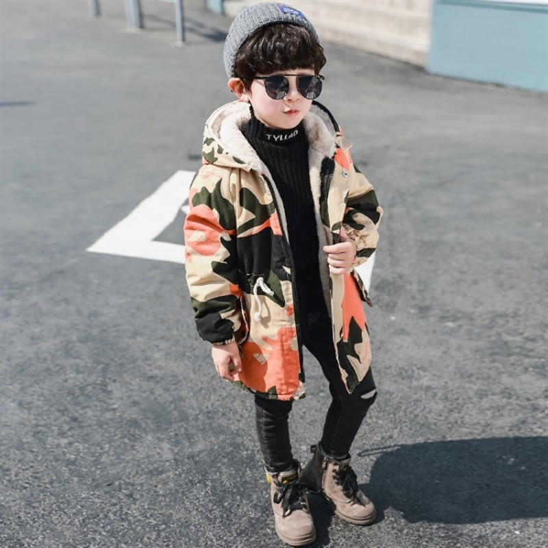 Baby boy velvet camouflage coat Autumn and Winter western style thick Korean style winter boy cotton coat enlarge