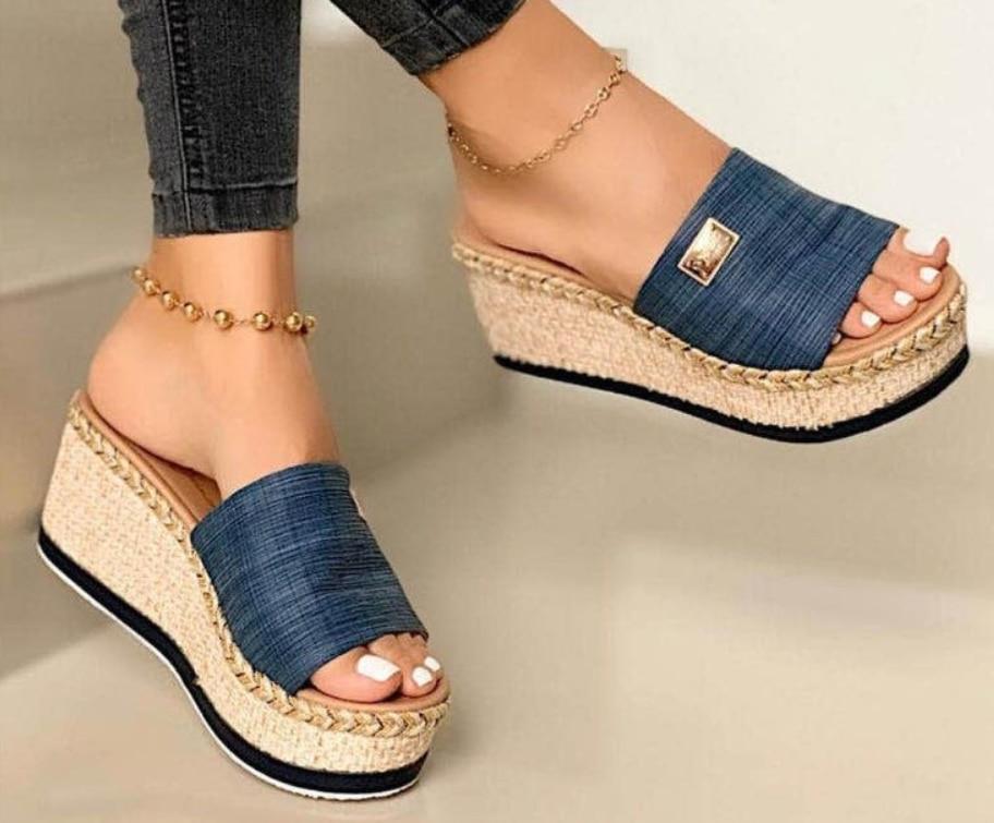 Moda de alta qualidade mulher verão cor sólida cunha antiderrapante peep toe senhoras chinelos sapatos femininos sandálias