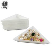 Free Shipment 10Pcs Triangle Plastic Rhinestones Beads Crystal Nail Art Sorting Trays Accessory White