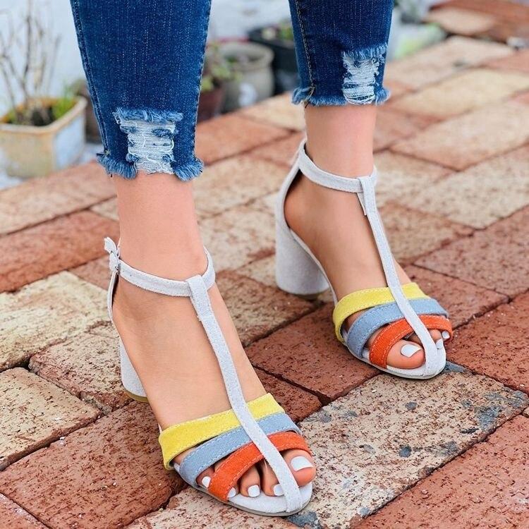 Heels2021 صيف جديد المرأة الصنادل أحذية كبيرة كعب سميك عالية الكعب