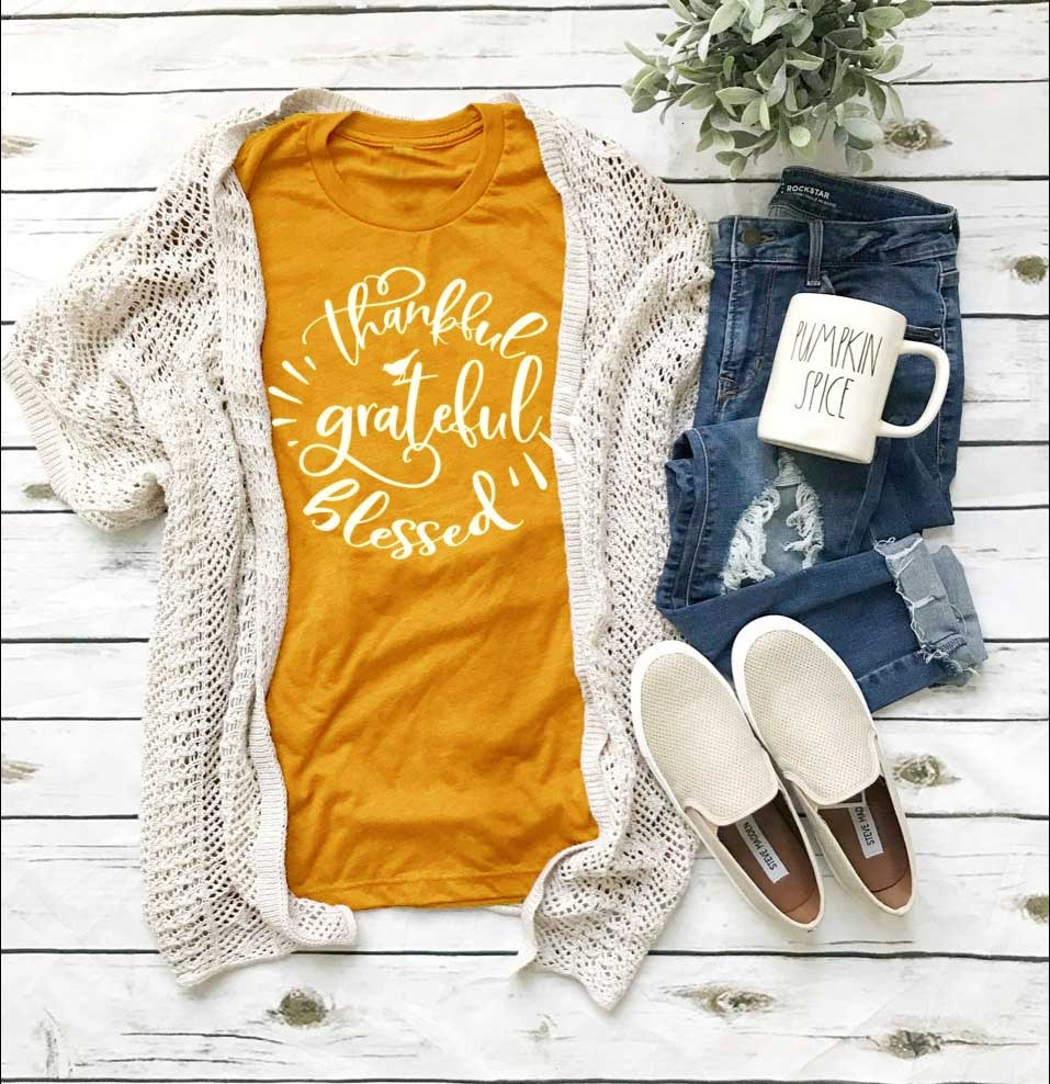 Thankful and blessed shirt thanksgiving shirt turkey t-shirt graphic women fashion holiday gift for family tees t shirt K838