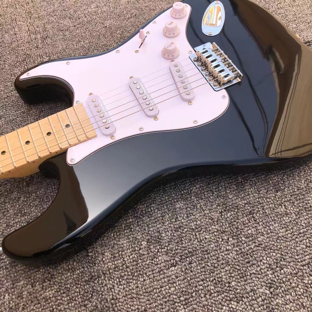 Eric Clapton Black ST Electric Guitars,22 Frets Maple Fingerboard,High quality basswood guitar enlarge
