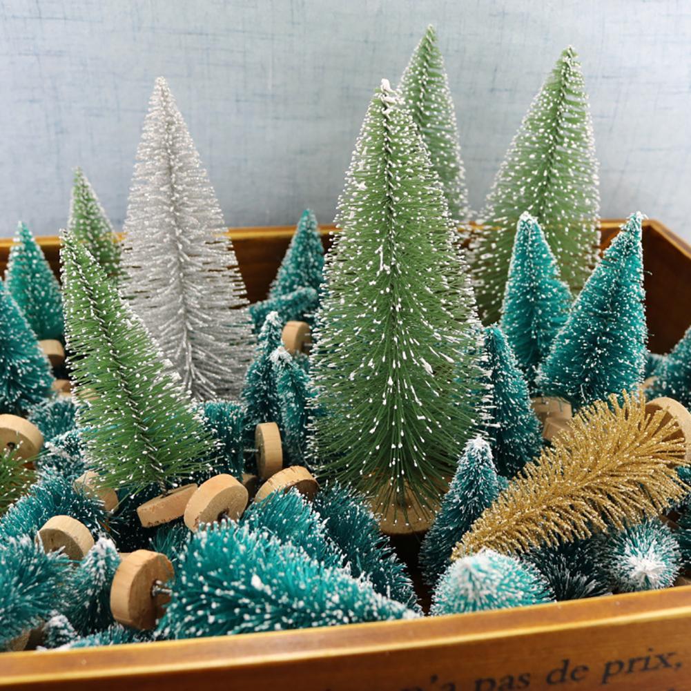 12pcs Pequena Árvore de Natal DIY Falso Pinheiro Mini Garrafa Escova de Sisal Árvore De Natal Papai Noel Neve Geada Casa de Aldeia 40P