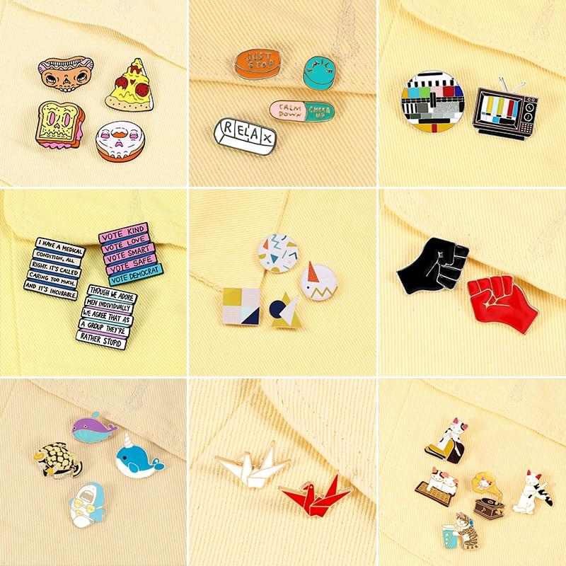 2-5 sztuk/zestaw czas na imprezę emalia Pin słodki kociak delfin papierowy żuraw broszki dżinsy torba odznaki psychicznego przypinki na klapę biżuteria prezent dla przyjaciół