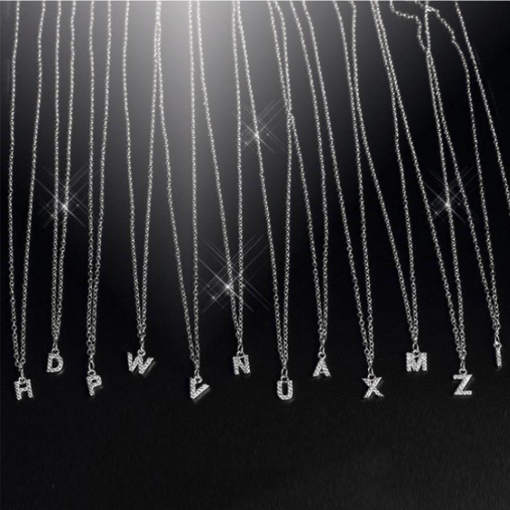 Collar a la moda con letras de zirconia cúbica para mujer