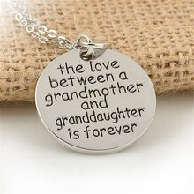 Coeur lettre pendentif populaire bijoux femme unisexe lien chaîne collier pour Grandmas grand-mère Granddaught anniversaire meilleur cadeau