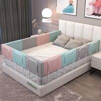 Мягкий защитный бортик для кроватки