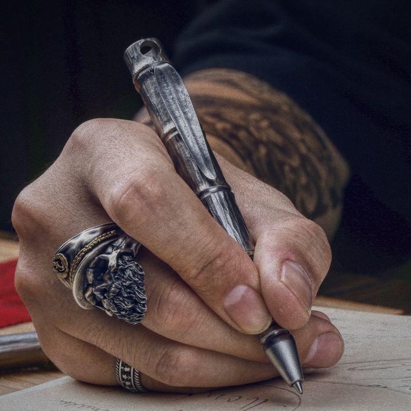 Bamboo Tactical Pen Titanium Engraving Edition Portable Writing Broken Window Self-help Multi-function Defense Pen Ceremony EDC