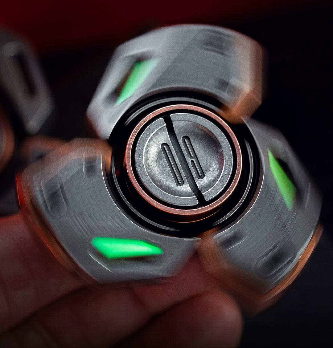 Original EDC Gyro Bit-09 Fingertip Gyro Zirconium Alloy Brass Limited Edition Three-Leaf Fidget Spinner enlarge