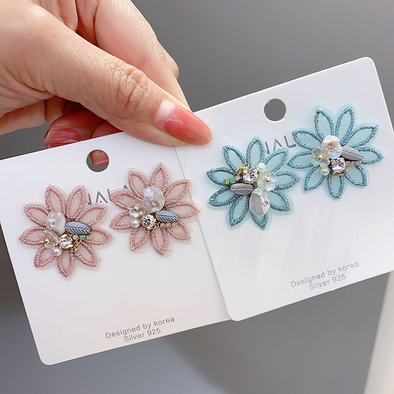 925 Plata estilo coreano en línea Celebrity Sorry diseño oreja Stud pequeña flor conjunto de diamantes GIRLS Heart Earrings W5