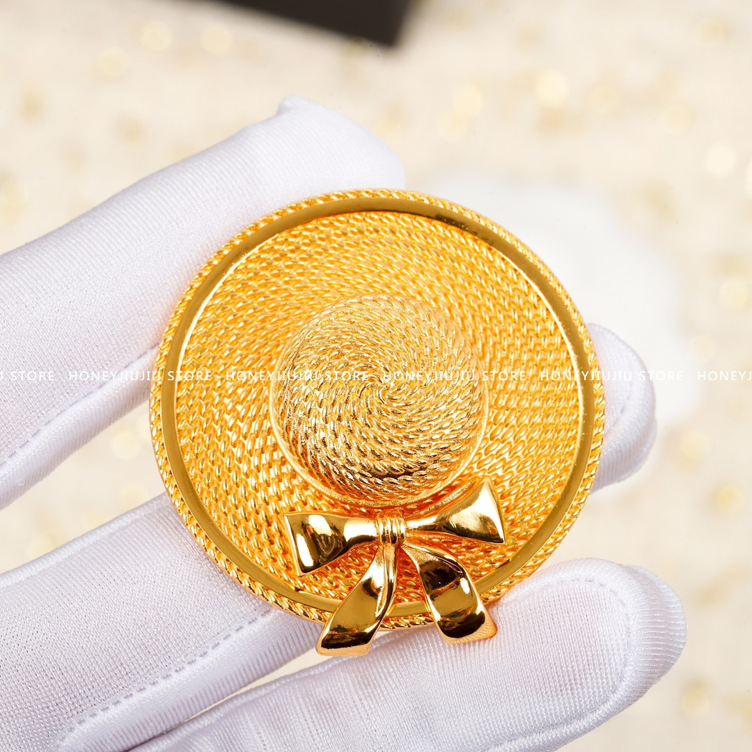 1:1 الساخن العلامة التجارية الشهيرة الذهب قبعة Vintage بروش للنساء مجوهرات فاخرة عالية الجودة المدرج مصمم