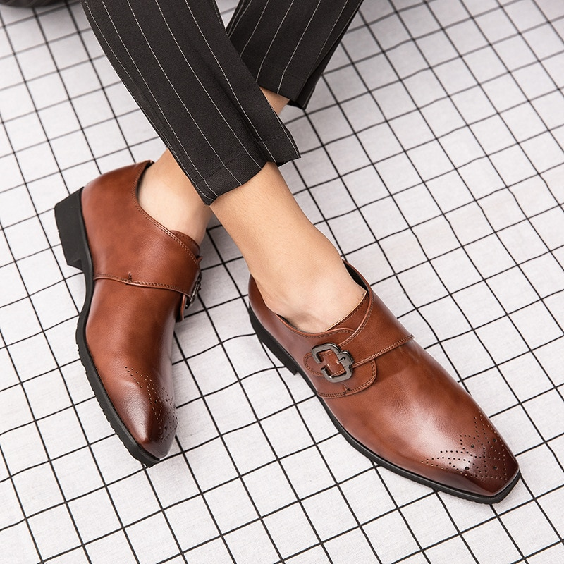 2021 Spring and Autumn New Trend British Retro Square Head Carved Casual Small Leather Shoes Fashion