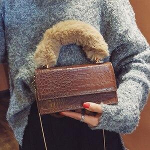 YL Hot Fashion Female Tote Bag Quality PU leather Women's Crocodile Pattern Handbag Plush Portable Shoulder Messenger Bags