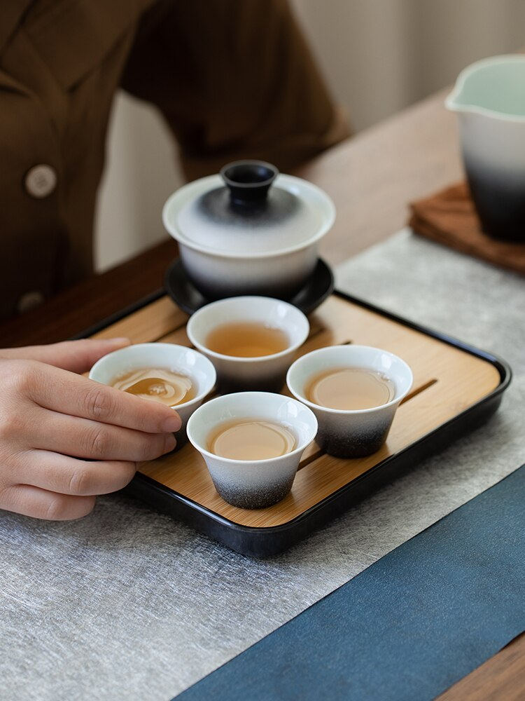 طقم شاي تخزين صغير العظام الصين Jingdezhen الخزف الفاخرة حديقة طقم شاي مستلزمات قهوة الفخار المحمولة Tazas tewer E5