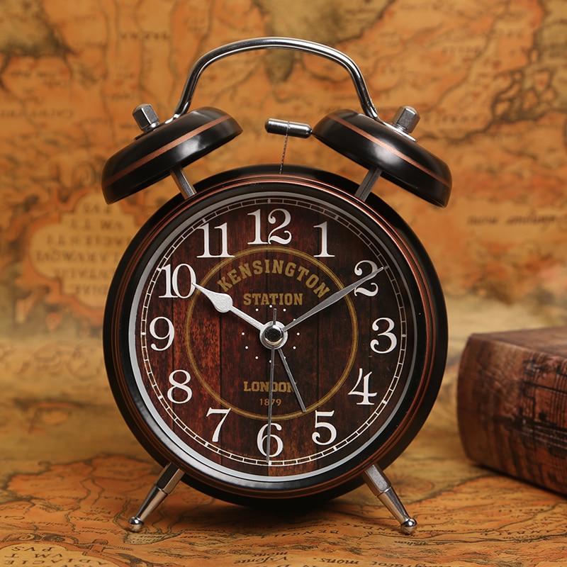Reloj despertador de Metal Retro de 4 pulgadas, reloj despertador luminoso Simple para mesita de noche, reloj de mesa Retro para Estudiantes por la mañana