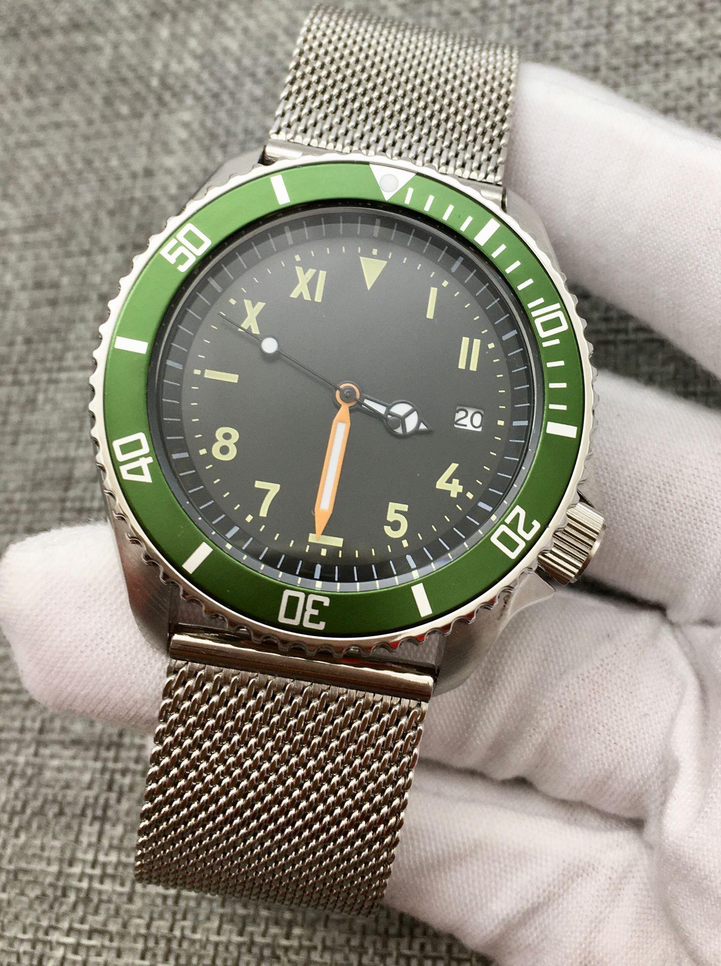 Retro 42MM Black Dial Date Luminous sk007 Mechanical Men's NH35 Automatic Watch Rotating Bezel Mesh Strap