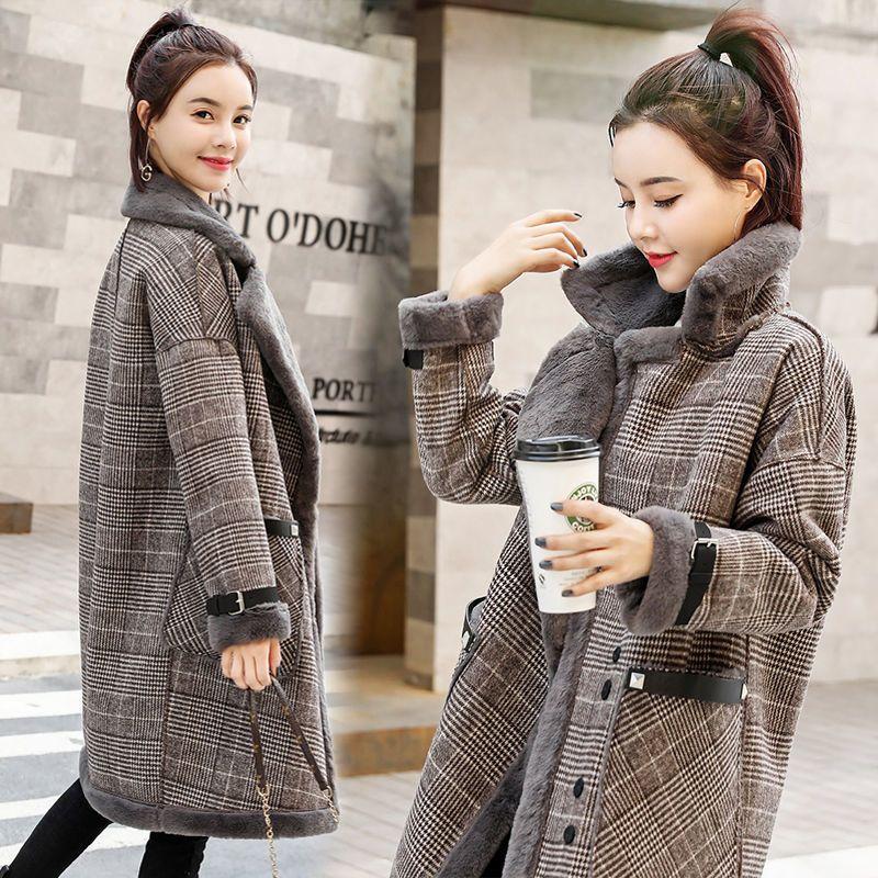2021 الخريف الشتاء المرأة باركاس جديد منتصف طول الضأن تشبه الفراء عالية الشارع الاتجاه منقوشة معطف الصوف معطف الإناث الدافئة وسادة مبطنة