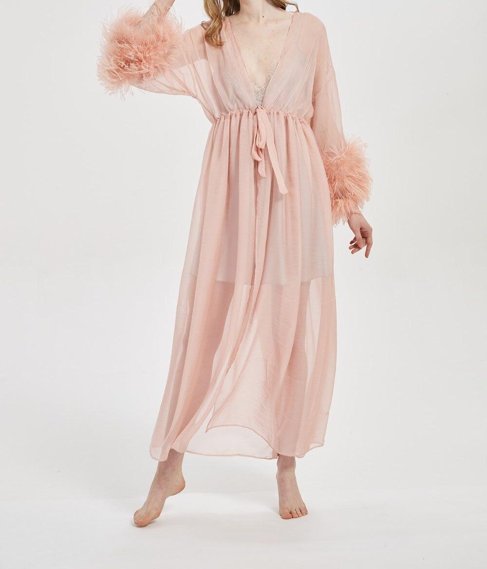 سيدة روب للنوم مع الفراء أوسريتش تشذيب الأصفاد عطلة مثير فروي ففوفي الصيف ربيع المرأة 2021 fashion