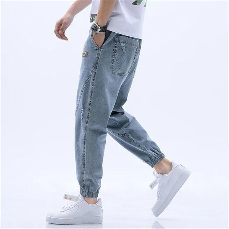 Джинсы мужские потертые с поясом на резинке, повседневные брюки-султанки из денима, брюки с эффектом потертости, весна-осень