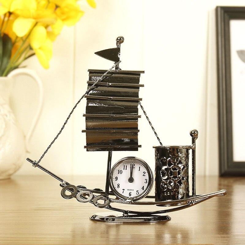 Decoración del hogar creativo Metal reloj barandilla barco escultura Vintage barco miniatura modelo escritorio Decoración Accesorios figuritas artesanías