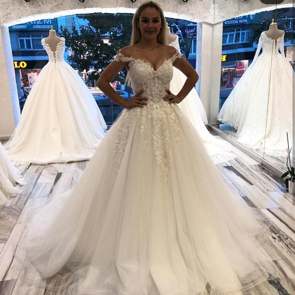 فستان زفاف نسائي من الصين ، أكتاف عارية ، تركيا ، زينة دانتيل ، أنيق ، جميل ، في دبي ، 2020