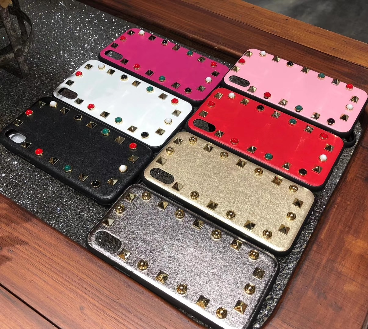 Luxe Leer Bezaaid Klinknagel Kleurrijke Jewelled Telefoon Case Voor iPhone 11 Pro X XS Max XR 7 8 Plus Telefoon gevallen Cover Coque Fundas