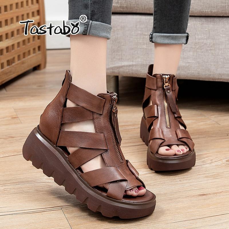 جلد طبيعي الصنادل الصيف النساء حذاء من الجلد عادية ريترو اليدوية النساء أحذية الجوف مشبك مكتنزة الأسود التمهيد صندل S8856