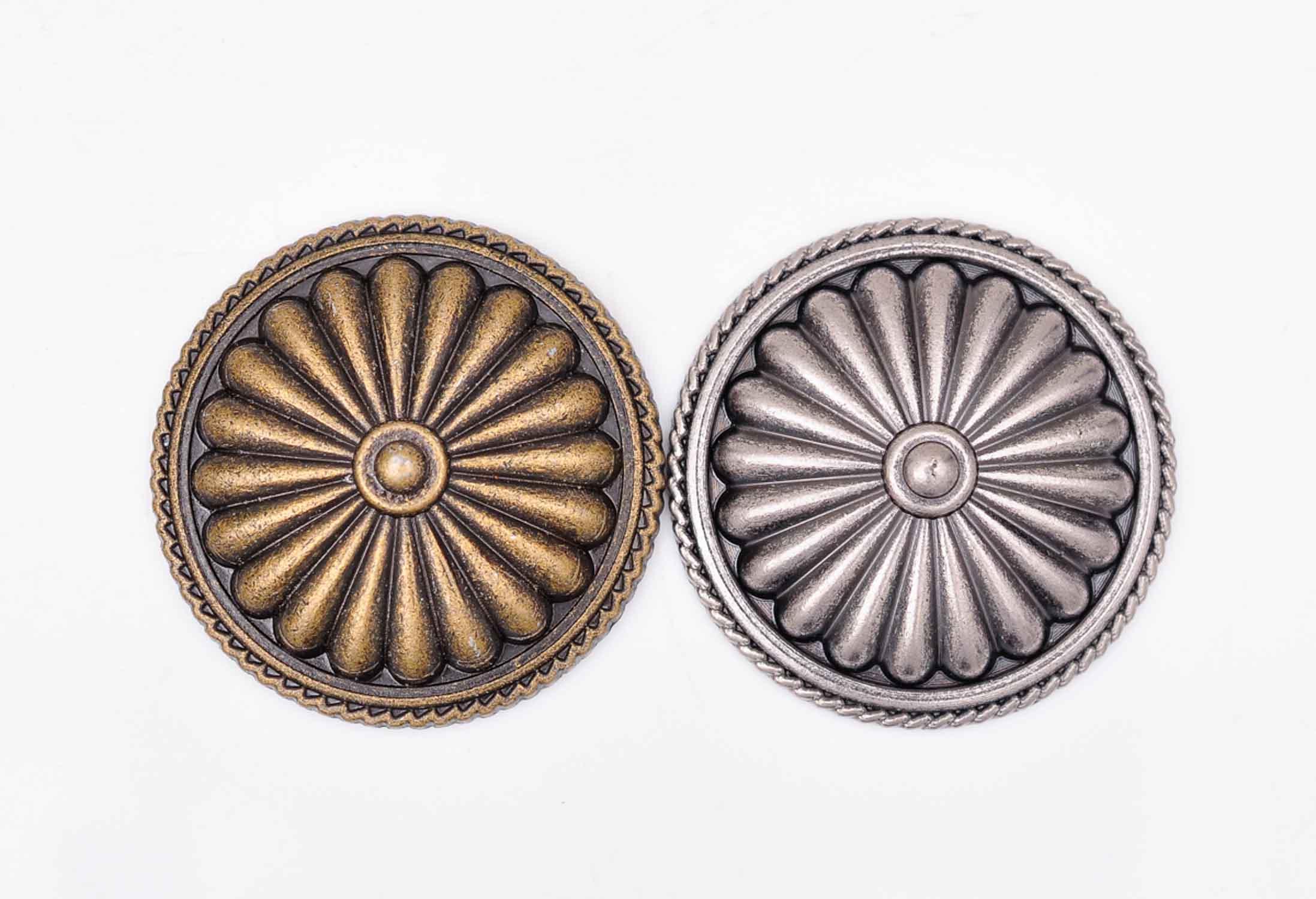 "10 piezas 1-3/8 ""35 MM Rivetback plata antigua/latón flor Tribal occidental cuero bolso cartera cinturón silla Concho Decoración"
