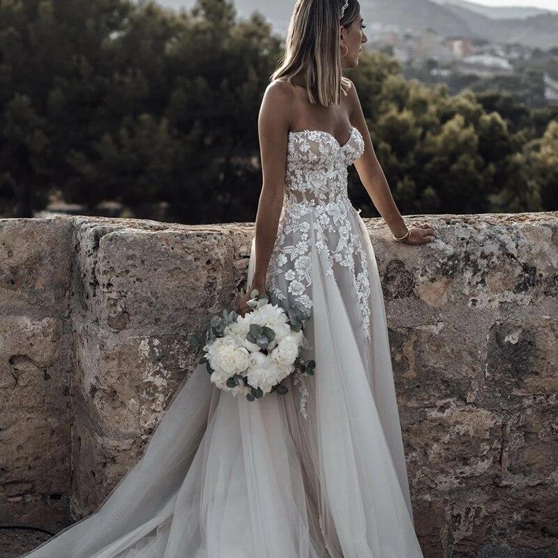 Wedding dress Lace Wedding Dress Vintage V-Neck Sleeveless Tulle Bride Dress Pearl Elegant 3d Flowers Custom Made  Floor Length