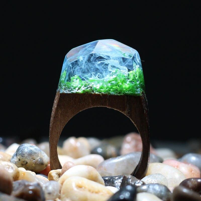 Anillo de madera hecho a mano con piedra de resina anillo de moda para damas con precioso anillo de madera de paisaje mágico secreto de fantasía, Estilo bohemio