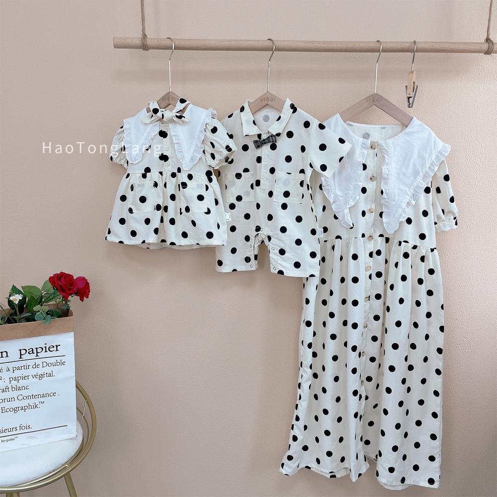 ملابس شقيق شقيقة لصيف 2021 ملابس كورية على الموضة فستان بناتي للأطفال الصغار بدلة رومبير للأطفال ملابس عائلية متناسقة