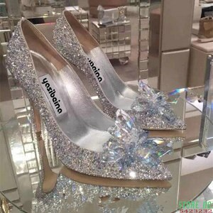 2020 European Wedding Shoes Female Rhinestone Crystal Shoes Stiletto Pointed Red Bridal Shoes Fashion Bridesmaid High Heel